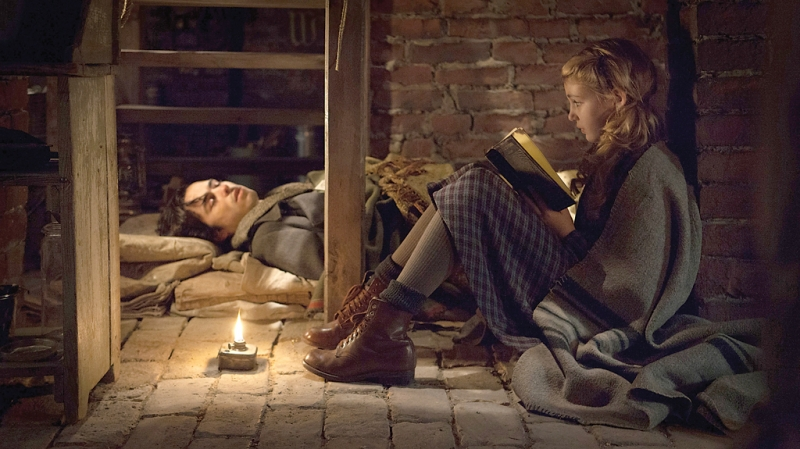 the book thief_reading
